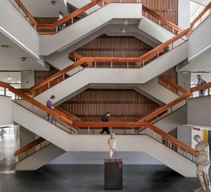 Universidad Nacional de Colombia -también Ciudad Blanca- Bruno Violi