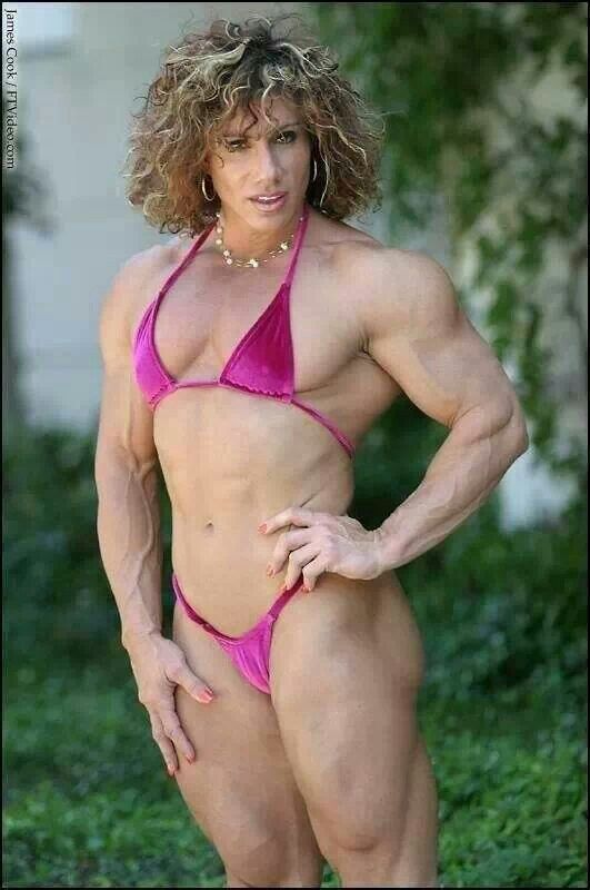 Denise miani green bikini pictures