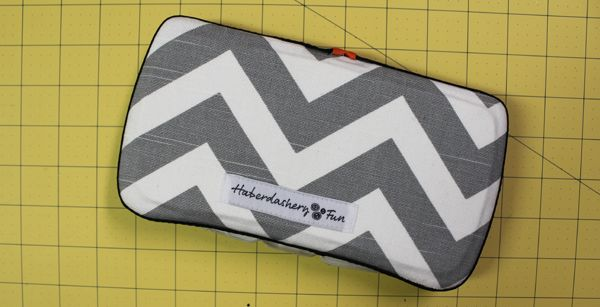 DIY.. Baby Wipes Case (use fabric scraps to make a pretty cover for that wipes case you'll be using so often)!