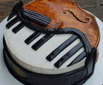 Half piano and violin cake!
