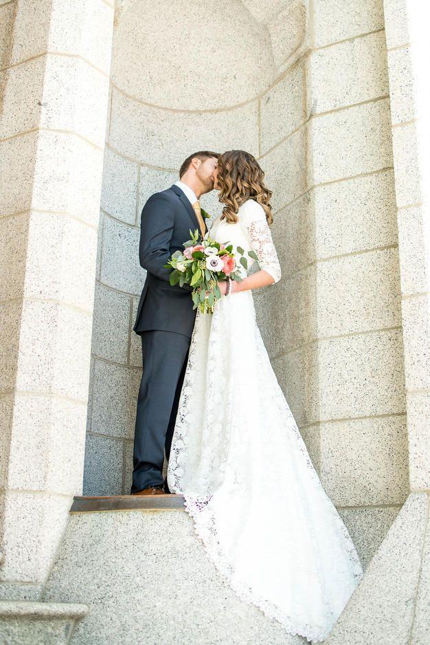 Salt Lake Temple Wedding || Bridal Party Photos || LDS Temple Wedding || Lace Dress || Modest Wedding Dress || Elizabeth Cooper Design || Sadie Banks Photography