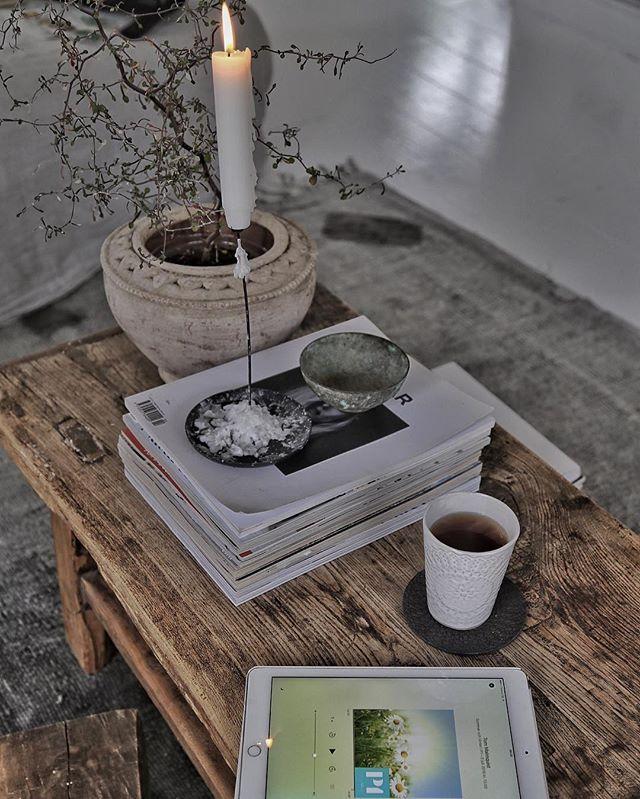Mina pöjkar sover fortfarande och jag njuuuuuter av att sitta här med en kopp te och ett sommarprat➰utvilad för första gången på väldigt länge➰ #atelje18 #myhome #details #interiordesign #interiordecor #petralundslera #vintage #snowdropscopenhagen #sommarprat #sommar