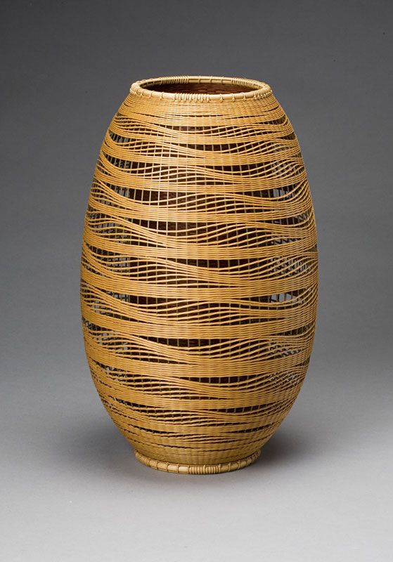 Flower Basket, Billowing Waves, dated 1993 By Kibe Seiho (b. 1951) Kyushu: Active in Kokonoemachi, Oita Prefecture Bamboo (madake) and rattan