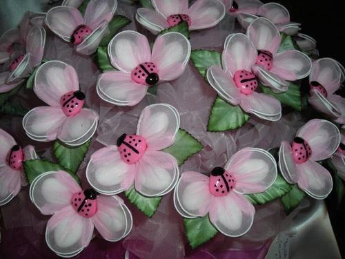 fiore e coccinella