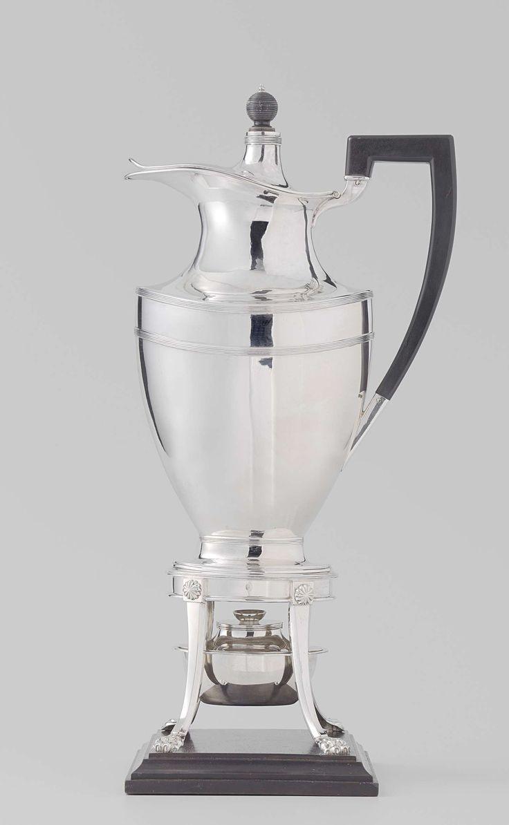 Coffee pot with stand and burner, Fa. Bennewitz en Bonebakker, Theodorus Gerardus Bentvelt, Diederik Lodewijk Bennewitz, 1815