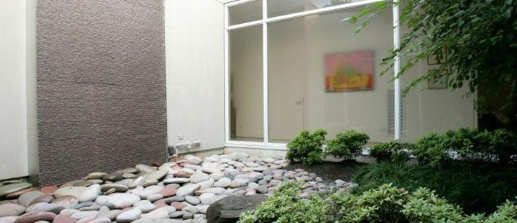 Les 25 meilleures id es de la cat gorie petit jardin zen sur pinterest petit patio patios - Petit jardin zen interieur la rochelle ...