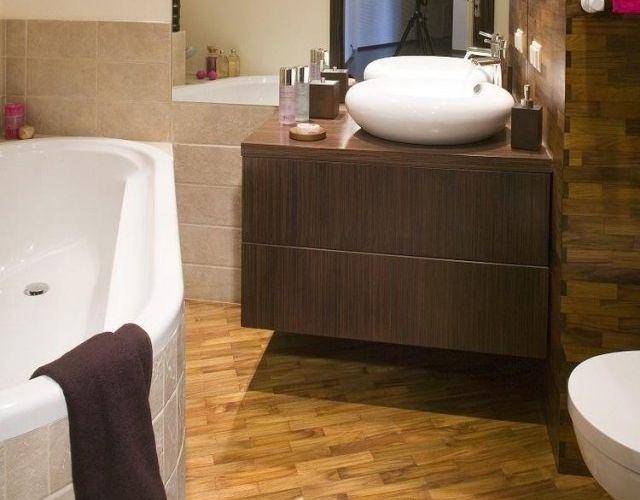 carrelage-salle-bains-bois-vasques-rondes-baignoires carrelage salle de bain