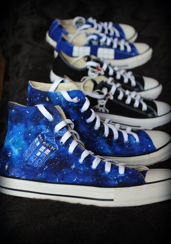 Personalisierte Handpainted Schuhe Tardis Galaxie von MadCandies