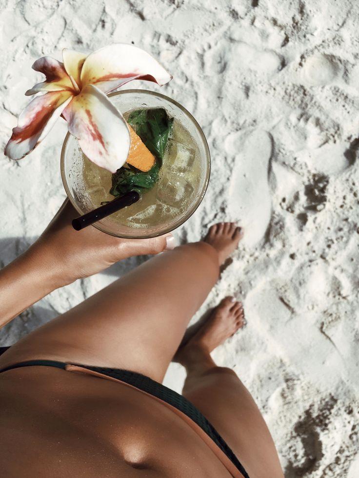 картинки для инстаграм про отпуск день для вас