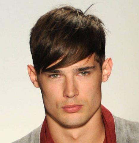 Immagine Taglio capelli uomo 2013 con ciuffo sulla fronte
