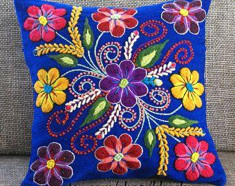 Cubiertas de la almohadilla peruano bordadas de lana de - Cojines de lana hechos a mano ...