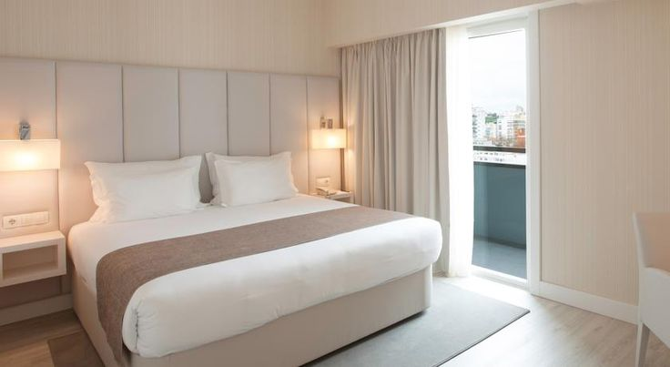 Lutecia Smart Design Hotel Lisboa Set in the residential Areeiro district, this 4-star design hotel was recently renovated and features 9 themed floors, as well as a fusion restaurant serving Portuguese and Indian cuisine. The Roma-Areeiro Metro Station is about 200 metres away.