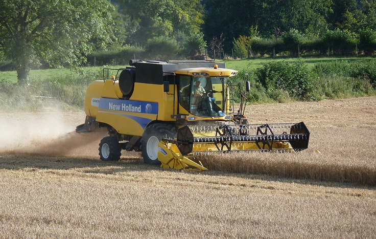 combine harvesters | Combine Harvester New Holland 5070.