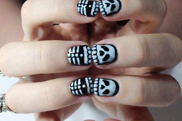 skeleton nails whaha, so cool for halloween :)