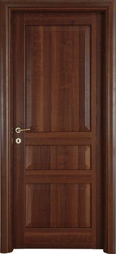 Modello 3BA  in #legno listellare. Rivestimento esterno in Laminato. #Colore: Noce Nazionale. Linea Bugnata - Catalogo Motivo. #porte #interne #classiche #casa