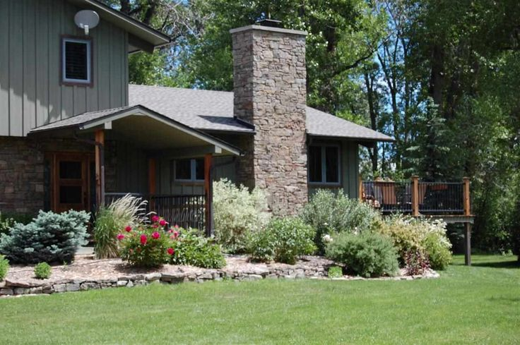 SOLD! - Bozeman Luxury Homes by Taunya Fagan. Spectacular water front property on 24.6 Acres. The best of both worlds; ranch/farm living with privacy, water, views, acreage and proximity to the small mountain city of Bozeman, Montana.