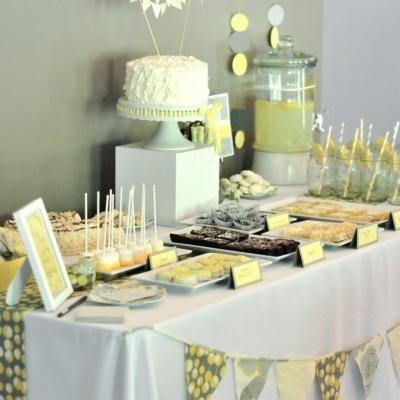 Cute color schemeShowers, Baby Shower Desserts, Shower Ideas, Baby Shower Theme, Yellow Baby, Deserts Tables, Parties Ideas, Desserts Tables, Baby Shower
