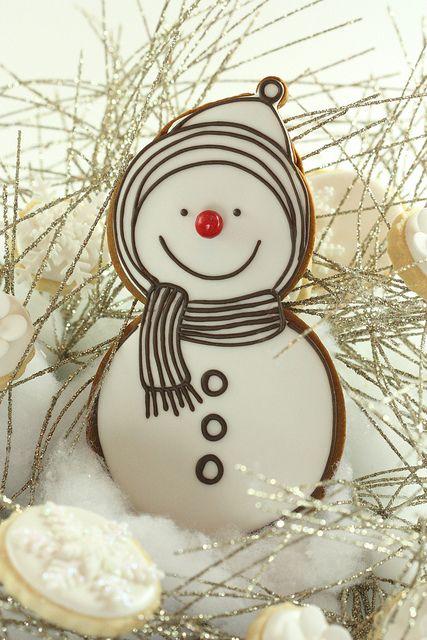 simple snowman cookie
