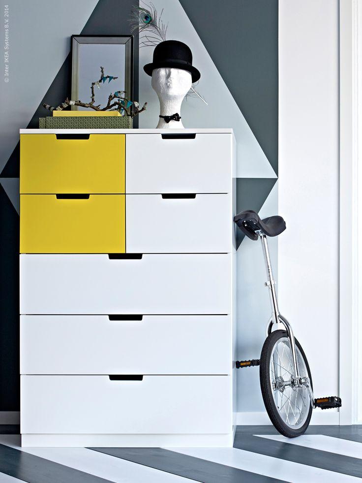 Hög, smal, låg eller bred? NORDLI, design Ola Wihlborg, är en ny serie byråer i hög kvalitet som enkelt anpassas till olika utrymmen och förvaringsbehov.