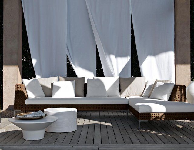 Fancy charles outdoor sofa by antonio citterio outdoor - Chaise rock bobois leer ...