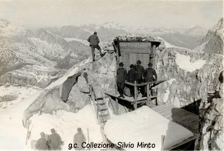 Fronte Dolomitico: posto di osservazione italiano sulla cima dell'Averau