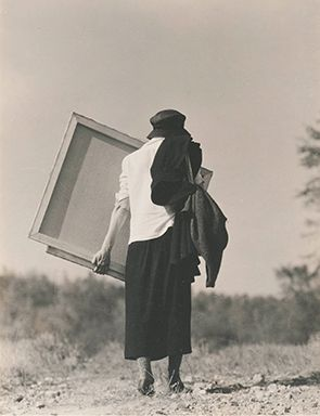Alfred Stieglitz, the avant-garde photographer and gallerist who later became her husband, created a series of more than 300 photographs of O'Keeffe during the course of his life.