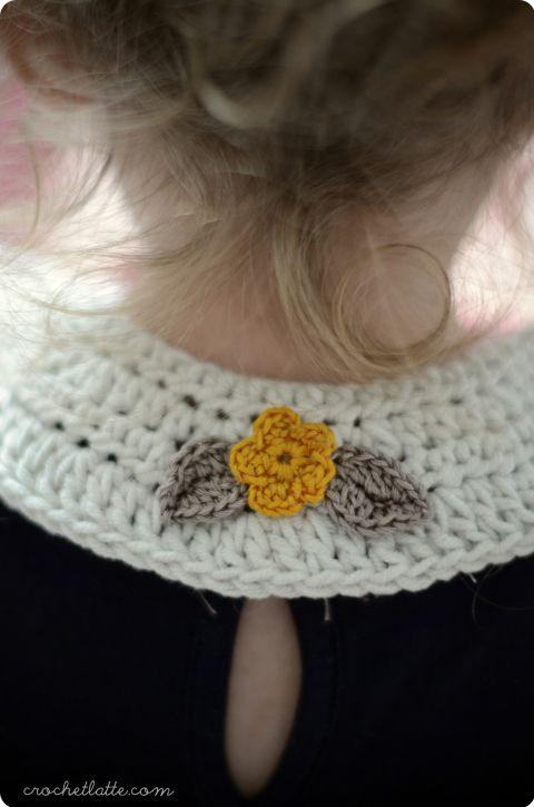 Free crochet pattern from crochetlatte for flower girl collars