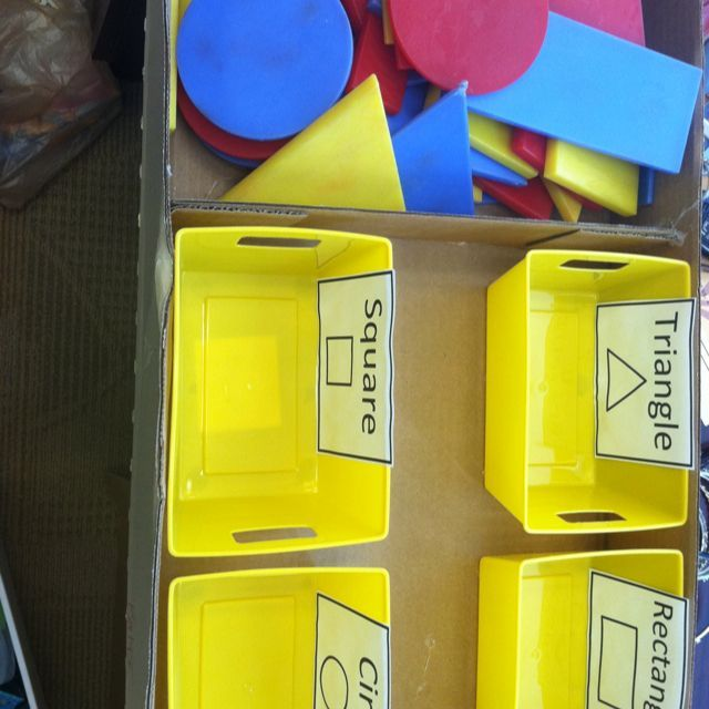 TEACCH task - sorting shapes, for more ideas and resources follow http://www.pinterest.com/angelajuvic/aba-therapy-info-resources/