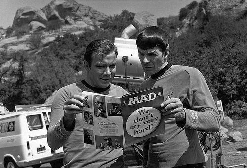 Superrare Behind the Scenes-Star Trek-Filmscans auf Flickr: Captain Kirk und Spock lesen MAD Mag! › Nerdcore