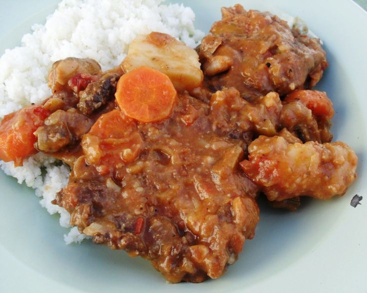 Ostrich neck and cannellini bean stew... Information and how to on Buffalo Meat, Ostrich Meat, Gator Meat, Elk Meat, Wild Boar Meat, American Wagyu Beef, Berkshire Pork and others. Visit us at FreeRangeMeat.us