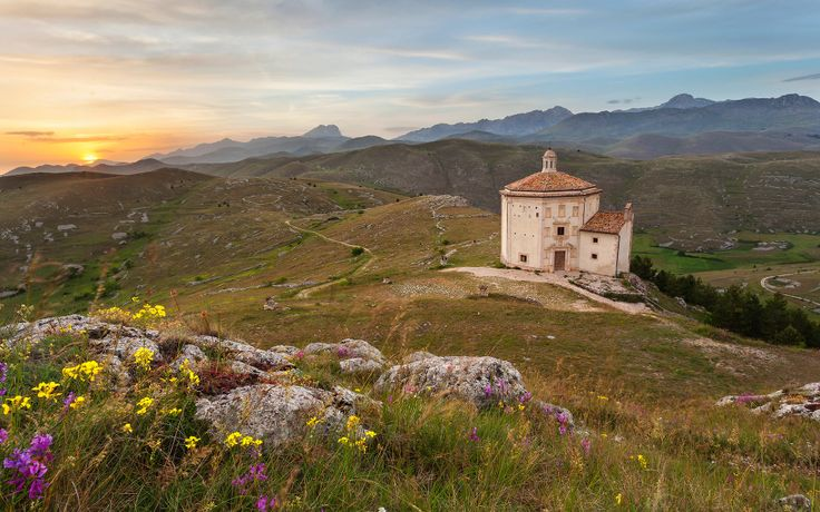 The Italian region with beautiful landscapes and ancient ...