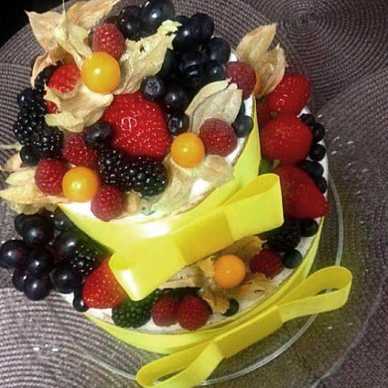Cake para Festa Tema Yellow Submarine (The Beatles)