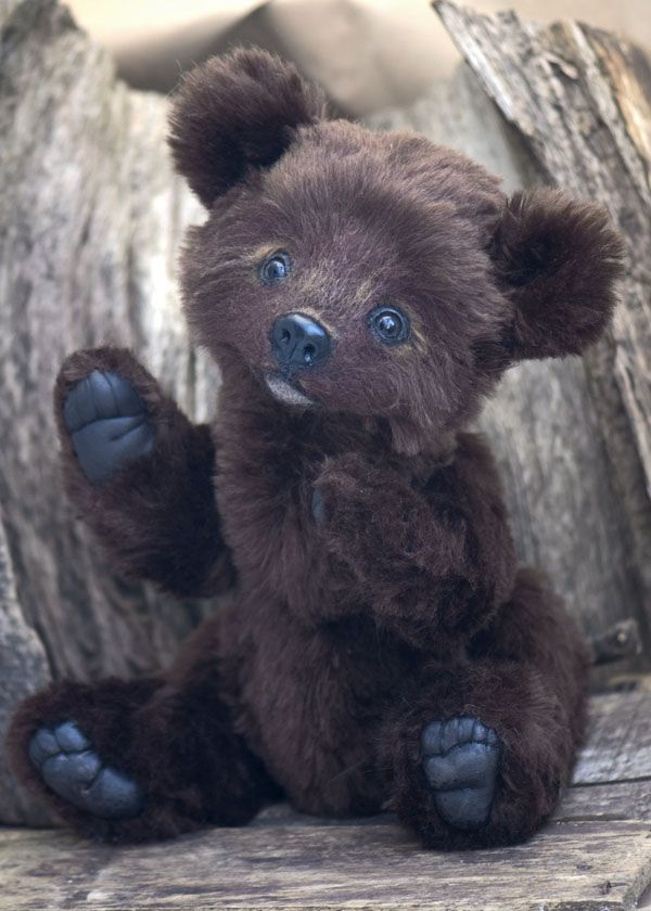 .My newest bear Zachary ...he's a teddy with just a hint of the wild woods about him: Newest Bears, Zachary Bears, Bears Zachary, Teddy Bears, Wild Woods, Brown Teddy, Bear1 Jpg, Johnson Bears, Bears Necessities