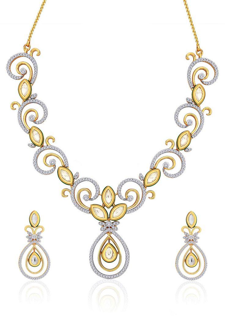 Peora Gold Necklace Set
