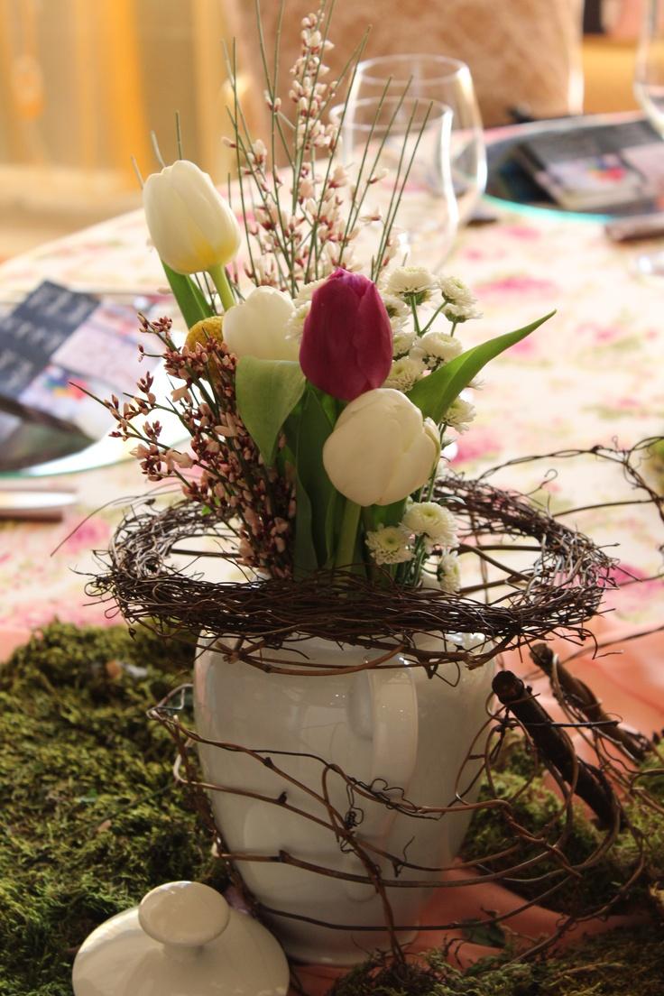 Aranjamente florale lalele albe
