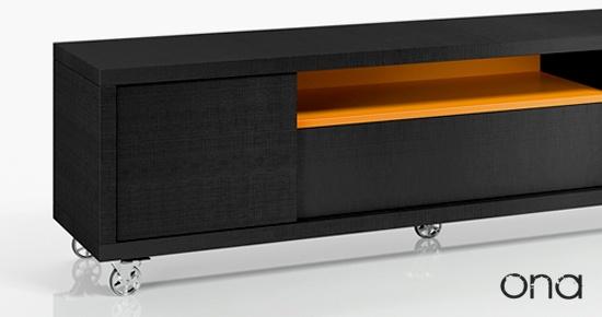 La elección de la medida en un mueble TV depende esencialmente del espacio de que disponga en su salón-comedor.  El programa ONA de salones modernos le ofrece una gran variedad de medidas a elegir dependiendo de los módulos y la distribución elegida.