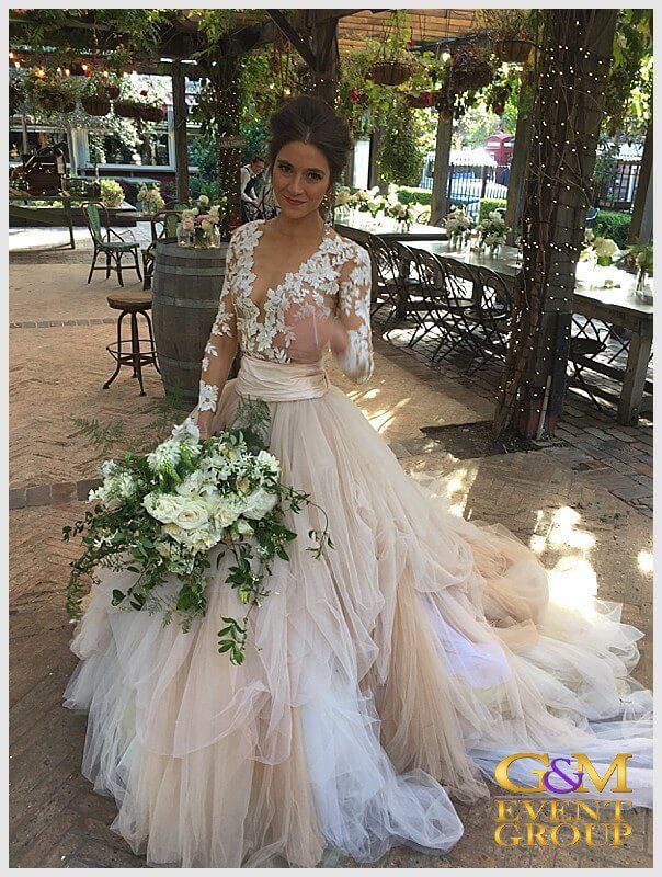 Magnifique Wedding MC & DJ at the Grounds of Grounds of Alexandria in Sydney | Wedding Dress | Flowers