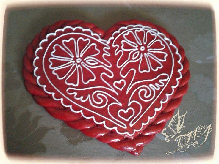 Buzsáki rátétes kontúr szív by TMJcreative.