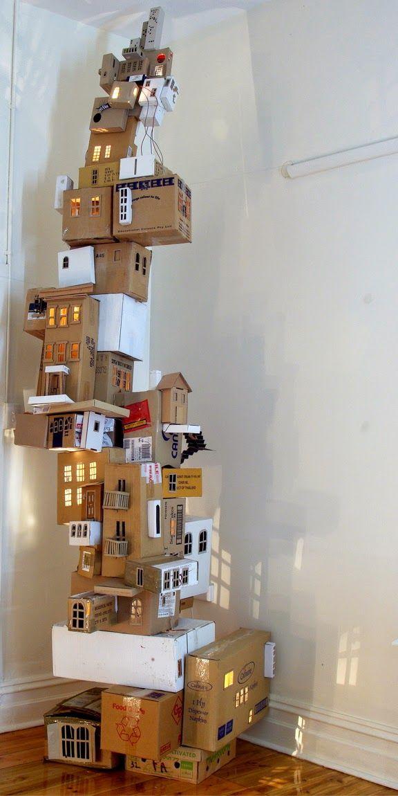 ciudad vertical hecha con cajas