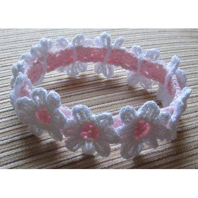 Crochet Headband with White Daisies Crochet pattern by Yelena Chen | Crochet…