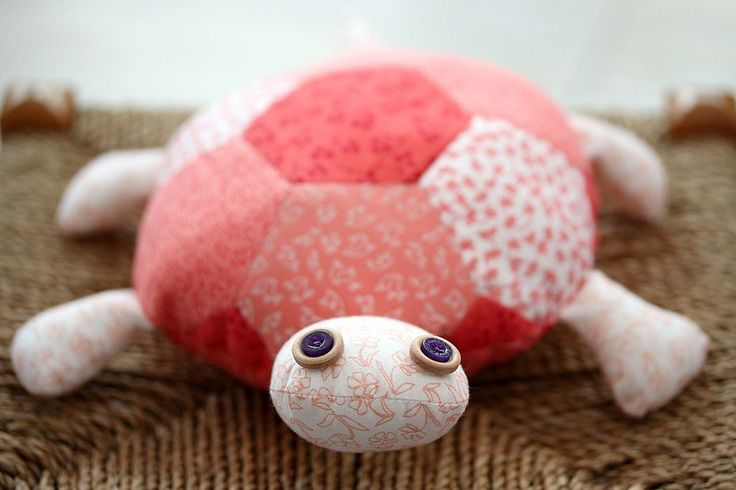 How cute is this little fella? Perfect for beginners to patchwork, a fat quarter turtle is guaranteed to bring smiles all round as you all give him a little cuddle on the sofa!