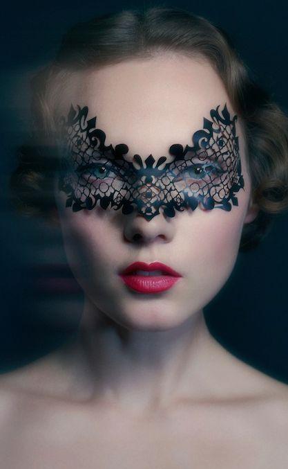 Baroque lace mask #Valentines #Makeup