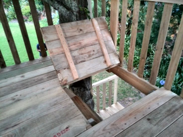 Trapdoor to restrict access to the higher deck, when needed.