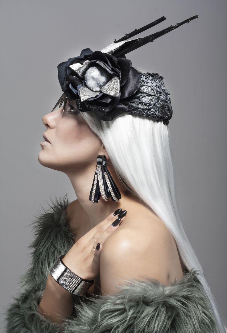 Daniela Cheli #gioielli #pelle #artigianato #design http://omaventiquaranta.blogspot.it/2014/10/daniela-cheli.html