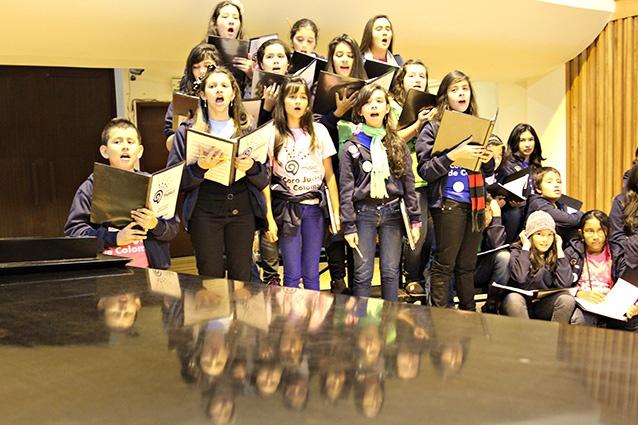 [Música ] .@CelebralaMusica El coro en ensayo (10) por .@Milton Ramírez .@FOTOMILTON