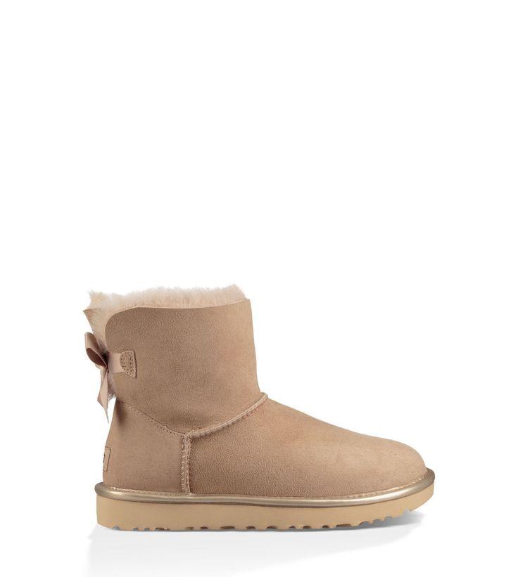 Original UGG® Mini Bailey Bow II Metallic Classic Boots für Damen jetzt im offiziellen UGG® Online-Shop versandkostenfrei bestellen. Kostenlose Retouren!