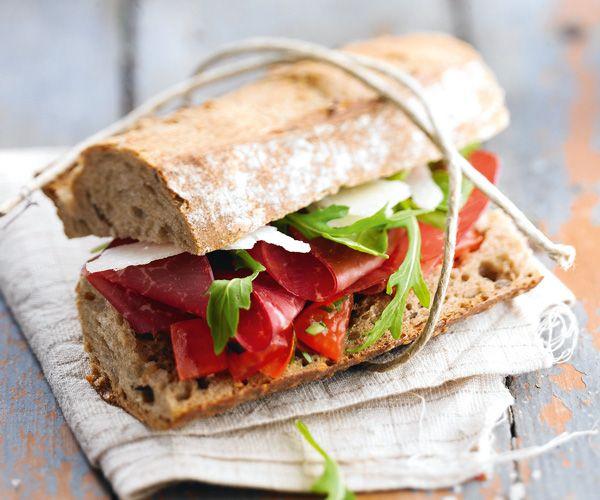 Sandwich italien à la coppa pour un repas sur le pouce