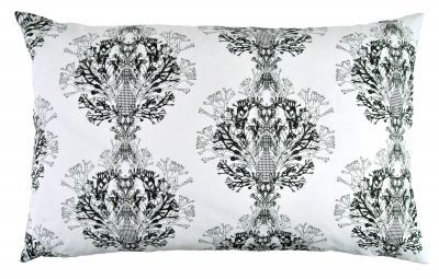 Mairo black Fager pillowcase. Designed by Anna Backlund.