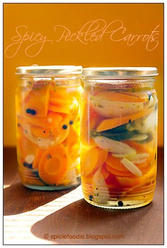 Zanahorias en Escambeche; Mexican spicy pickled carrots; carrots; pickled; pickles; how to; receta; recipe; Mexican; canning; fast; food; fresh; organic; healthy; spicy; snack; topping; accompaniment; recipes; chili peppers; onions; jalapeno; orange; yellow; photo; picture; glass; jar; safety
