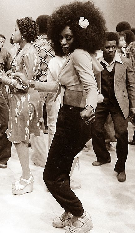 LOVE, PEACE AND SOUL | I LOVE THE 70s  — The Soul Train Dancers